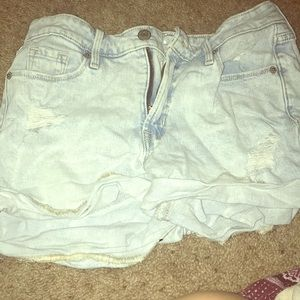 Light wash Demi shorts